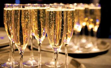 champagne-glasses-original-370x229.jpg